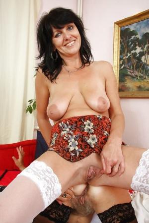 Moms Saggy Tits Pics